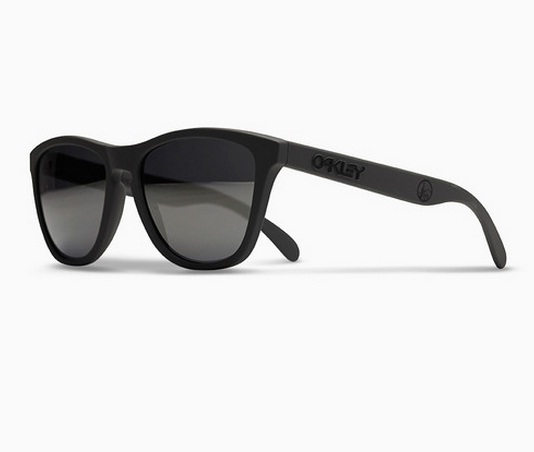 Oakley and fragment design Teamed Up to Launch